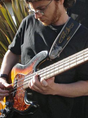 MJF2014-participant-Damian-Vernis-bass-Argentina_300x400