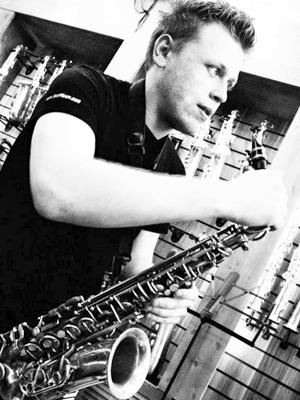 MJF2014-participant-Stanislav-Zubkov-sax-RossijaUkraina_300x400