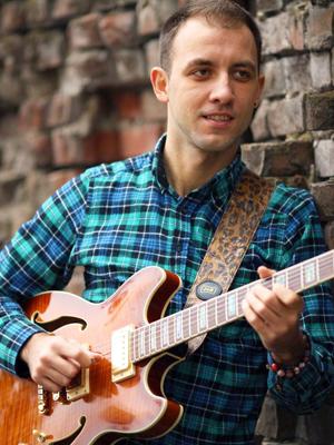 MJF2014-participant-denis-malenko-guitar-ukraina_300x400