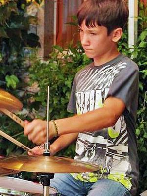 MJF2014-participant-ilya-blazh-drums-rossija_300x400