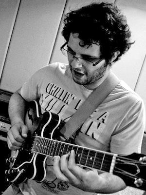 MJF2014-participant-juancristobal-aliaga-guitar-chile_300x400