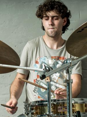 MJF2014-participant-konstantin-voynov-drums-rossijjskaja-federacija_300x400