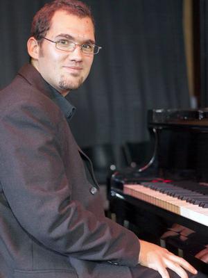 MJF2014-participant-lajos-toth-piano-austria_300x400