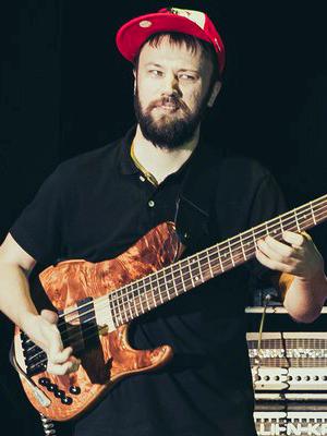 MJF2014-participant-maksim-vostretsov-bass-russia_300x400