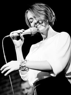 MJF2014-participant-oksana-ferenchuk-vocals-russia_300x400
