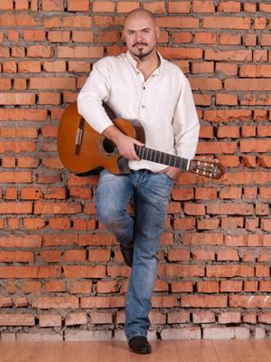 MJF2014-participant-sergejj-gricenko-guitar-ukraina_300x400