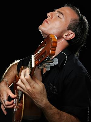 MJF2014-participant-sledge-azem-guitar-sirija_300x400