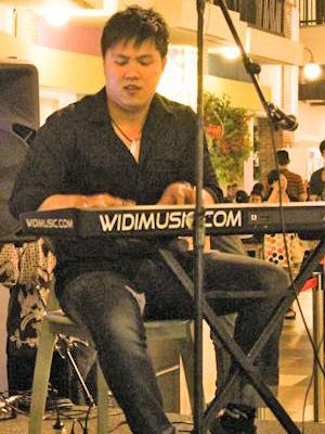 MJF2014-participant-widiyanto-sutanto-piano-indonesia_300x400